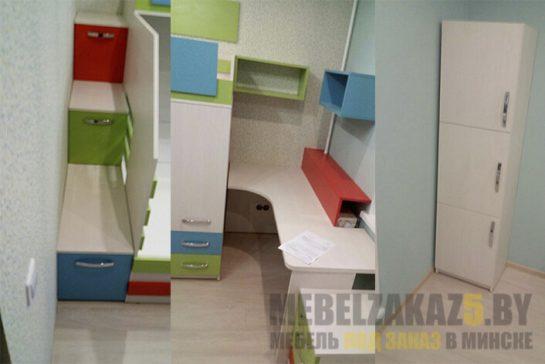 Яркий набор мебели в детскую для двоих