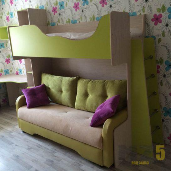 Кровать-чердак с диваном в детскую