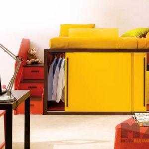 Кровать-чердак со встроенным шкафом купе ярко-желтого цвета