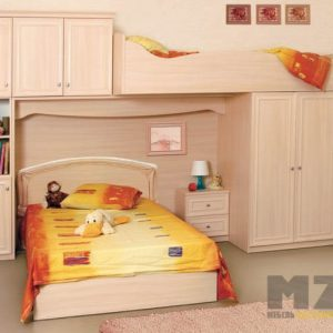 Бежевая кровать-чердак в детскую с дополнительной кроватью внизу