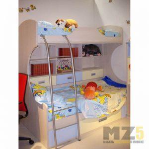Двухъярусная кровать в детскую комнату с настенными полками