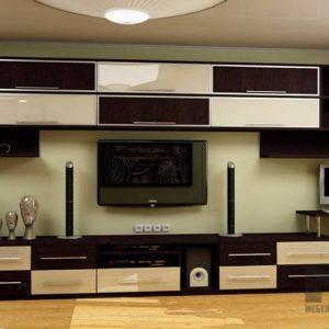 Горка в гостиную бежево-коричневого цвета в классическом стиле