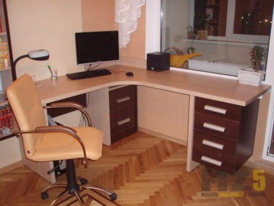 Компьютерный г-образный стол из МДФ