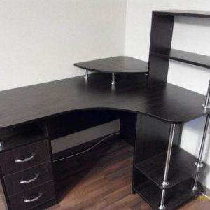 Черный классический компьютерный стол