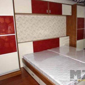 Большая двуспальная кровать из МДФ
