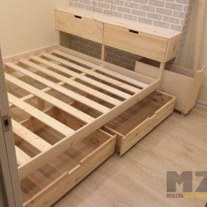 Двуспальная кровать из массива ясеня с выдвижными ящиками