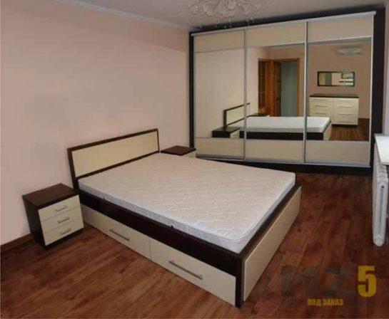 Кровать из ДСП двуспальная с тумбой