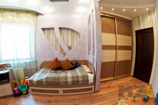 Кровать в детскую из МДФ с выдвижными ящиками без ручек