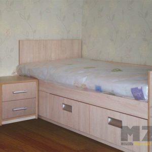 Небольшая односпальная детская кровать из МДФ