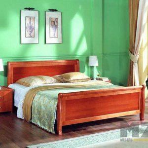 Двуспальная кровать в классическом стиле из дерева