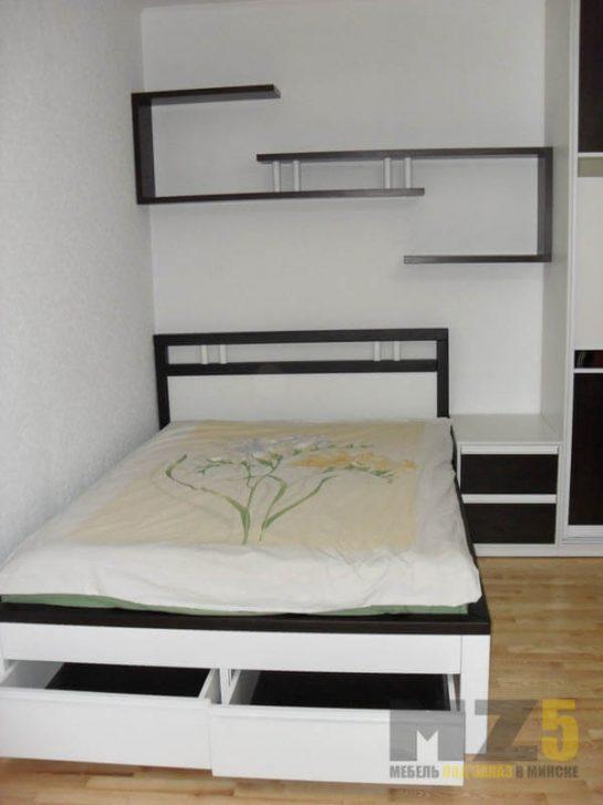 Двуспальная кровать в стиле минимализм