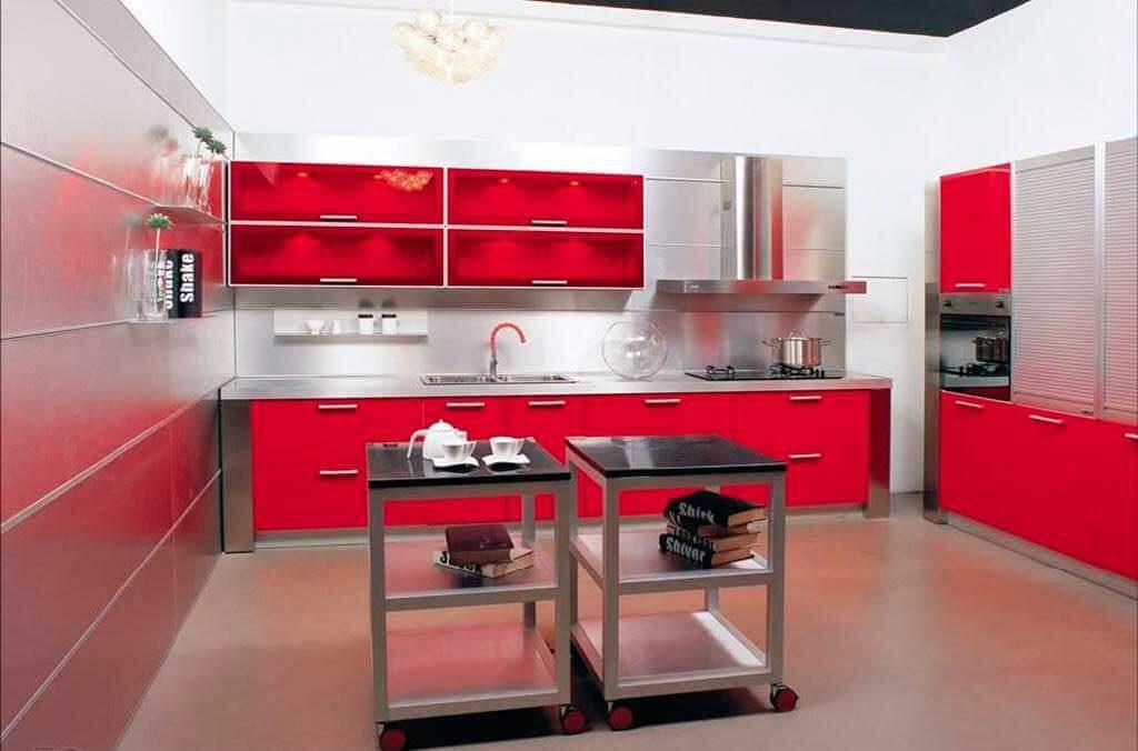 Ярко красная кухня МДФ из пластика
