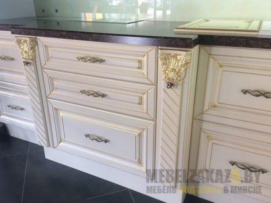 Оригинальные выдвижные ящики кухни прованс