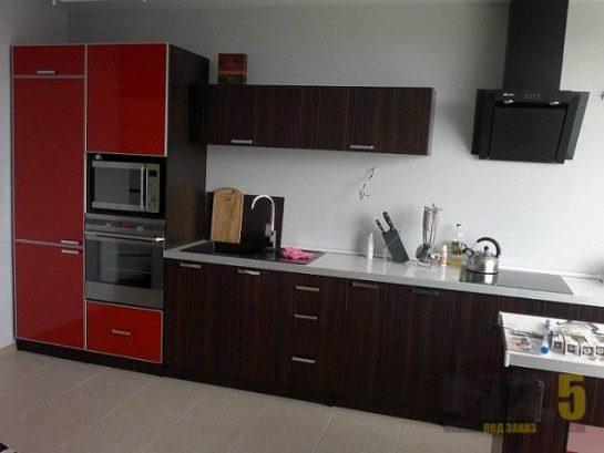 Небольшая кухня модерн цвета венге