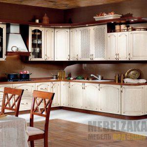 Кухня прованс со встроенной техникой