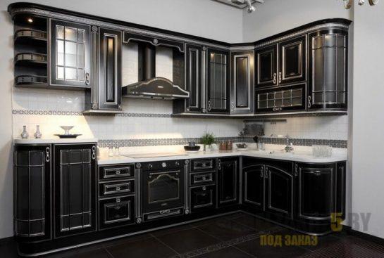 Темная кухня прованс с белой столешницей