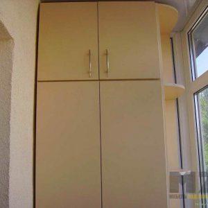 Бежевый распашной шкаф на балкон из ДСП