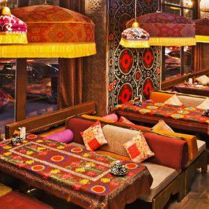 Ресторанная мебель в индийском стиле