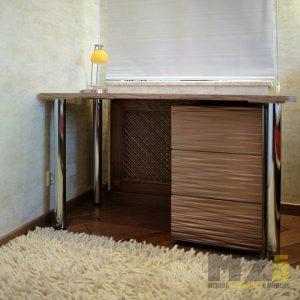 Маленький письменный столик с приставной тумбой с 3д фасадами
