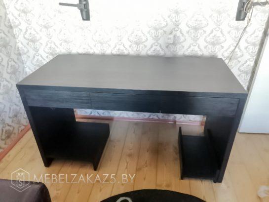 Компьютерный стол в черном цвете