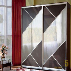 Двудверный классический шкаф-купе с зеркальными вставками