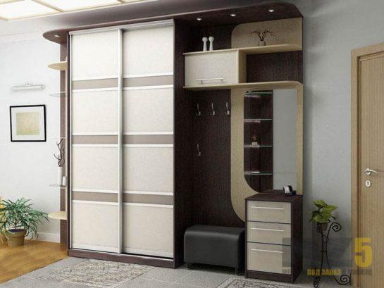 Мебель в прихожую со шкафом-купе из лакомата