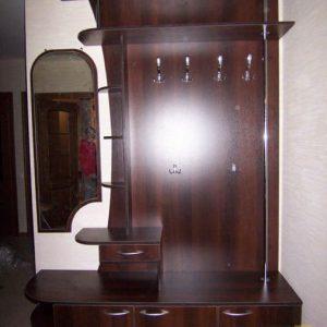 Шкаф для одежды в прихожую из ДСП в коричневом цвете