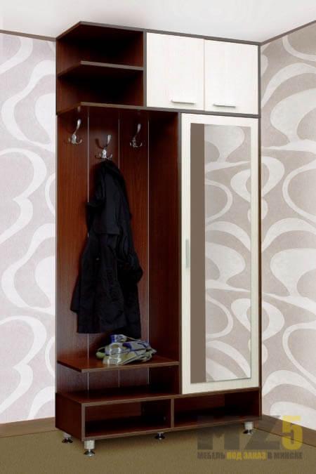 Узкий распашной шкаф в прихожую из МДФ с зеркалом