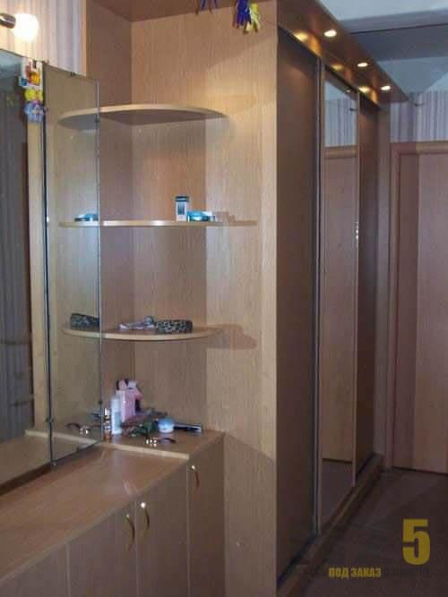 Комбинированный шкаф-купе в прихожую из МДФ