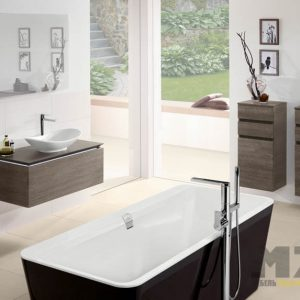Современные минималистичные подвесные шкафчики в ванную комнату