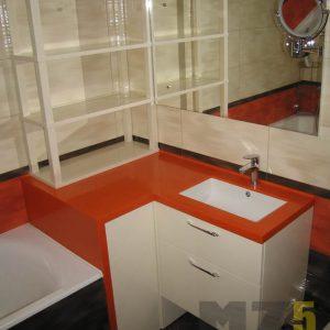 Минималистичная ванная мебель с оранжевой столешницей