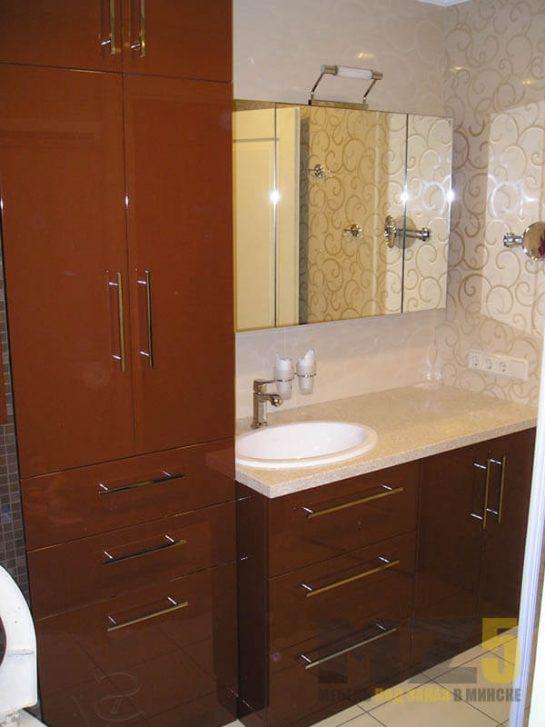 Набор мебели из крашенного МДФ в ванную