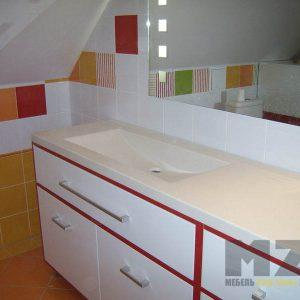 Яркая современная мебель в ванную комнату