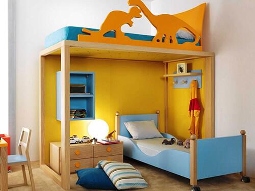 Детская мебель яркого цвета с зоной для хранения