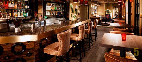 Комплект мебели для ресторанов в шоколадном цвете