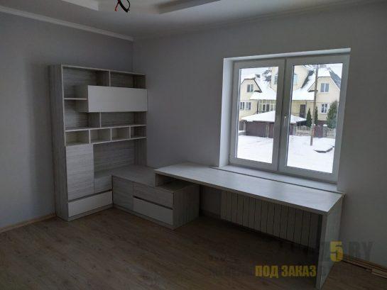 Письменный стол и шкаф в детскую серого цвета
