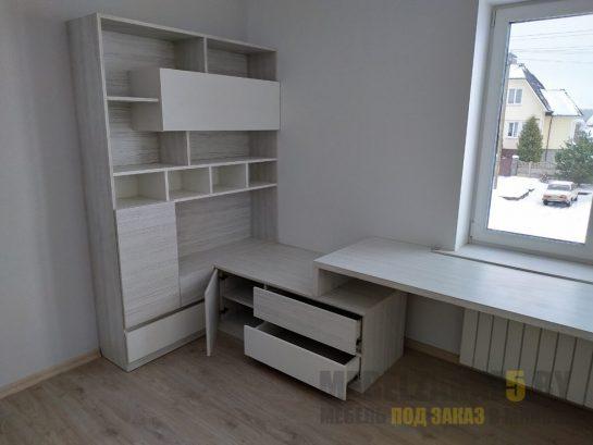 Письменный стол и шкаф в детскую в сером цвете