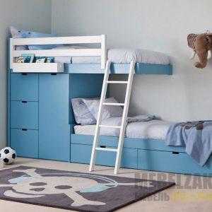 Двухэтажная детская кровать синего цвета с ящиками