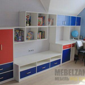 Комплект модульной мебели в детскую комнату красно-синего цвета