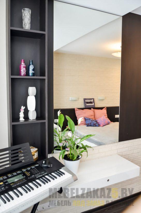 Набор мебели в спальню - туалетная зона