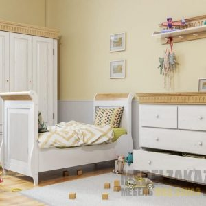 Комплект мебели для детей от 3-х лет в пастельных тонах