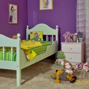 Кровать из массива в детскую комнату