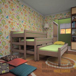 Детская трехъярусная кровать из дерева