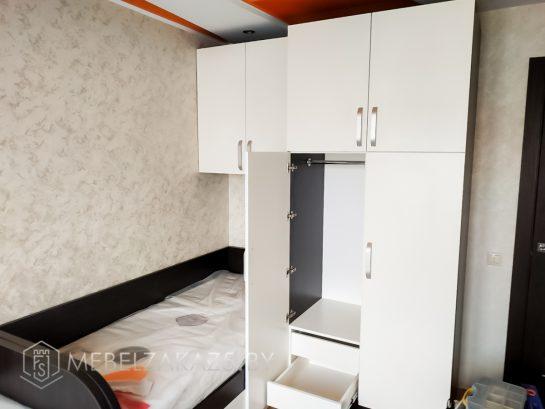 Шкаф для хранения в детскую