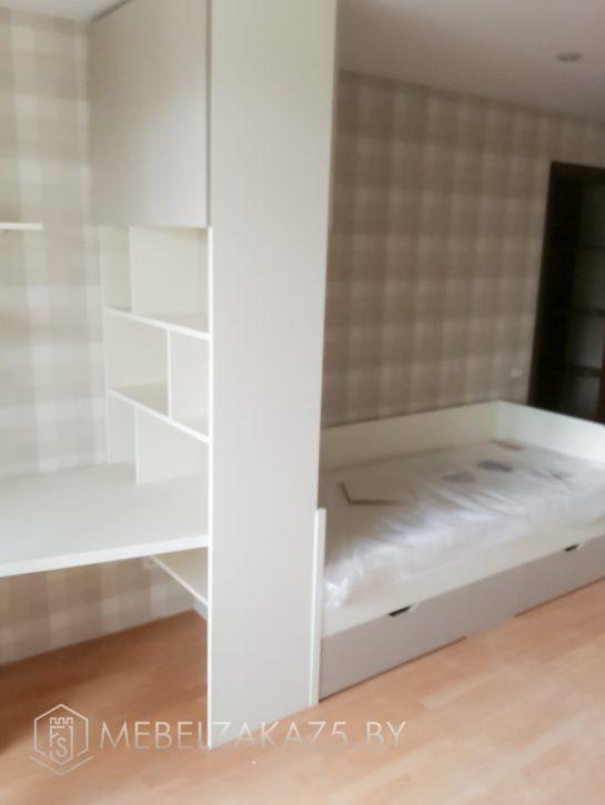 Кровать со стенкой в детскую