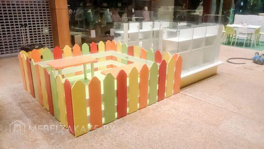 Набор торговой мебели со стеклянным островом