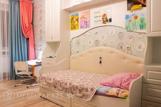 Компактный набор в детскую комнату для девочки от трех лет