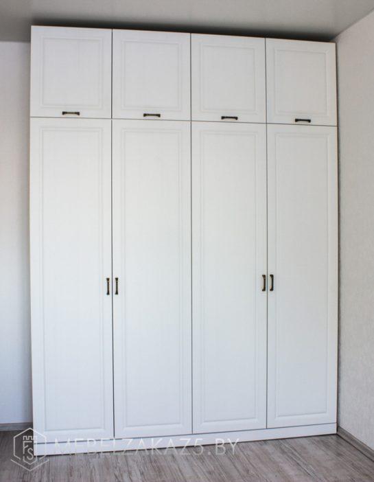 Четырехстворчатый распашной шкаф в комнату для подростка