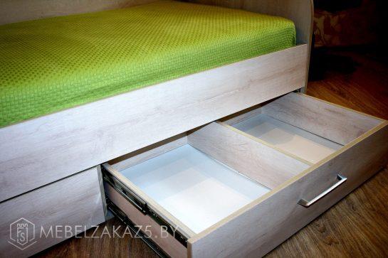 Раздвижная система хранения в подростковой кровати