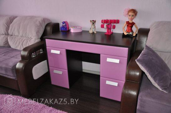 Тумба с выдвижными ящиками для девочки-подростка в фиолетовом цвете